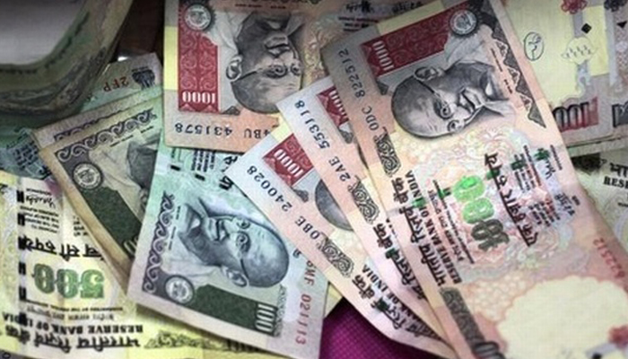 Rs 50k or more fine for carrying over Rs 10k in banned currency