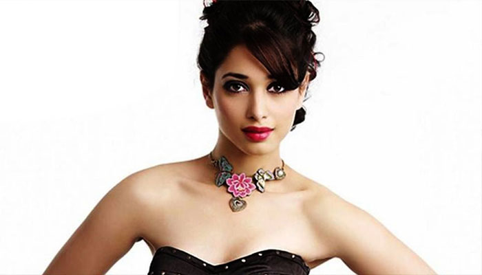 Tamannaah Bhatia to perform a special number in 'Jai Lava Kusa