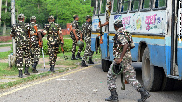 Army enters Dera headquarters | Tense situation prevails in Sirsa