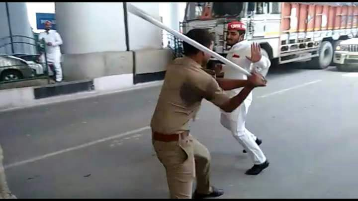 PHOTOS: Police lathicharge SP workers protesting against metros technical snag