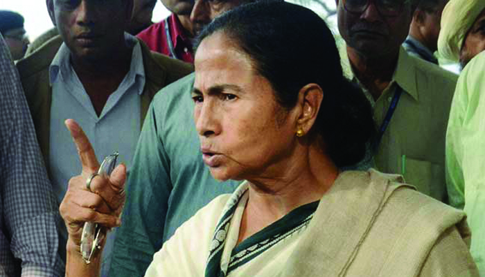 Centre trying to divide Bengal, claims Mamata Banerjee