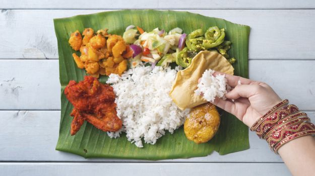 Eating with hand is more health-friendly, avoid cutlery