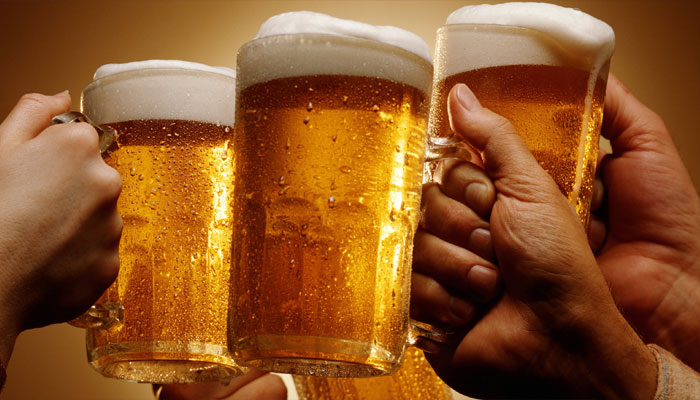 Attention guzzlers! Boozing boosts foreign language skills