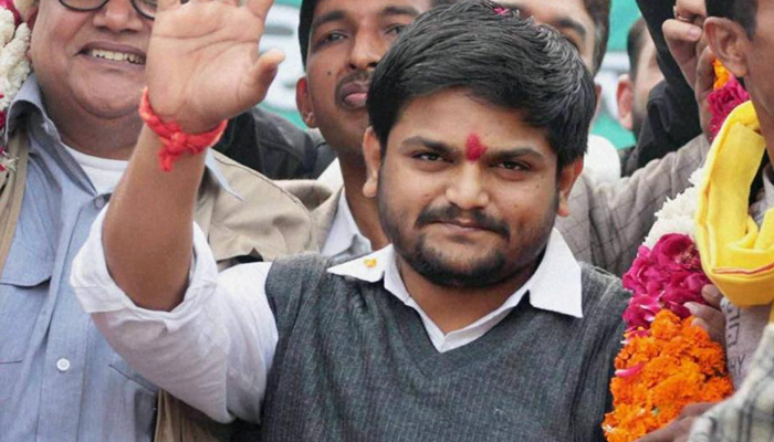 Neither with Congress nor against, announces Hardik Patel