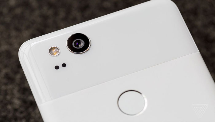 Google delays white Pixel 2 orders by a month