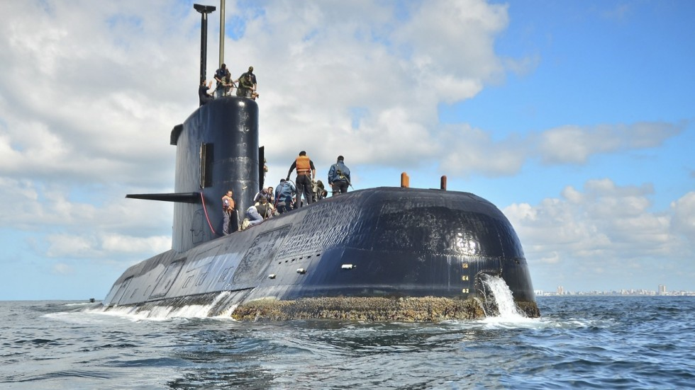 Search on for missing Argentine submarine