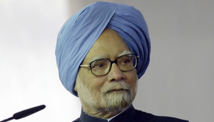 I dont see any immediate recovery of our economy: Manmohan