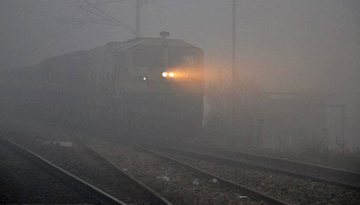Misty Monday morning in Delhi, 10 trains cancelled