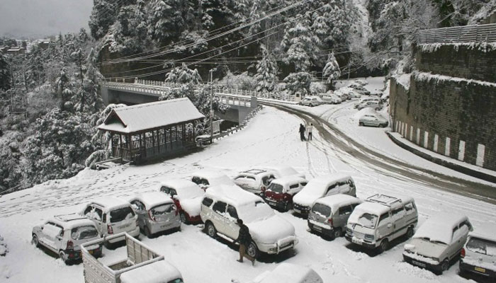 Leh freezes at minus 11.3, cold wave sweeps valley