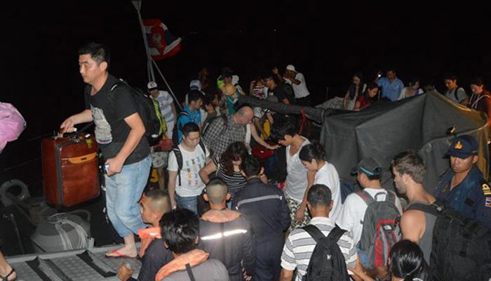 173 stranded tourists rescued from island in eastern Thailand