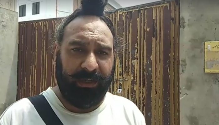 Pakistans first Sikh police officer thrashed, evicted from his house