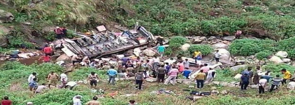 Five killed as bus falls into gorge in Uttarakhand