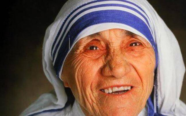 Mamata remembers Mother Teresa on 21st death anniversary