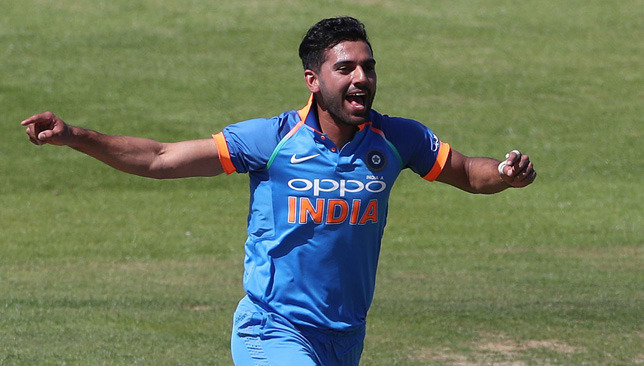 Want to be the new ball bowler who can bat too: Chahar