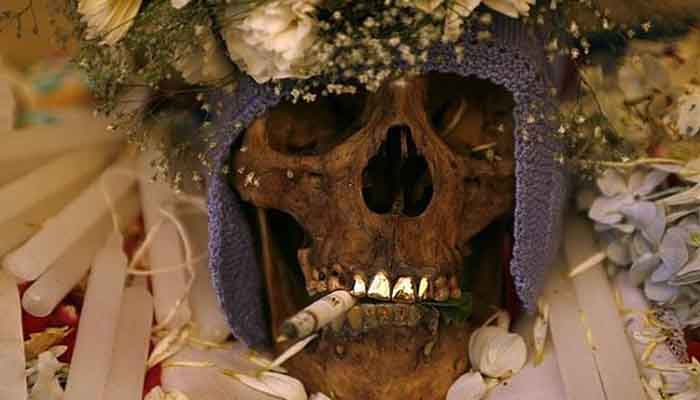 12 Weirdest funeral rituals around the world which will shake you from inside!