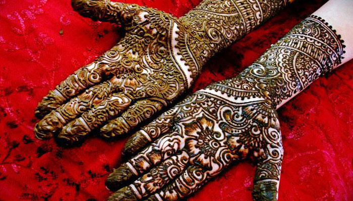 Happy Karva Chauth! Rates of Mehndi in different areas of Lucknow | Check