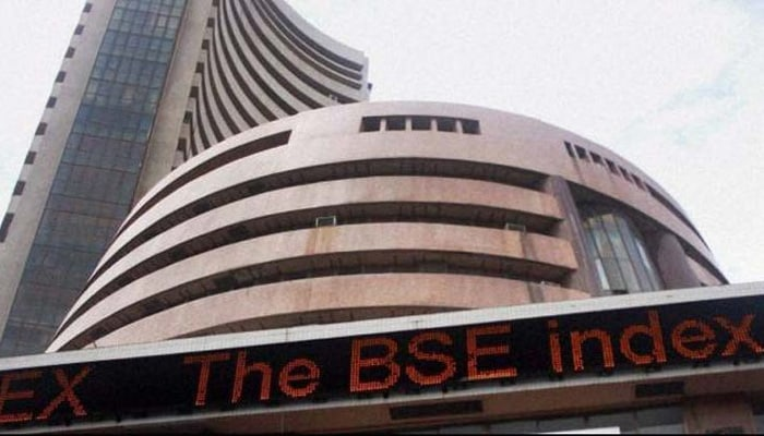 Sensex down 400 points, Nifty below 11,500-mark as RBI rate hike likely