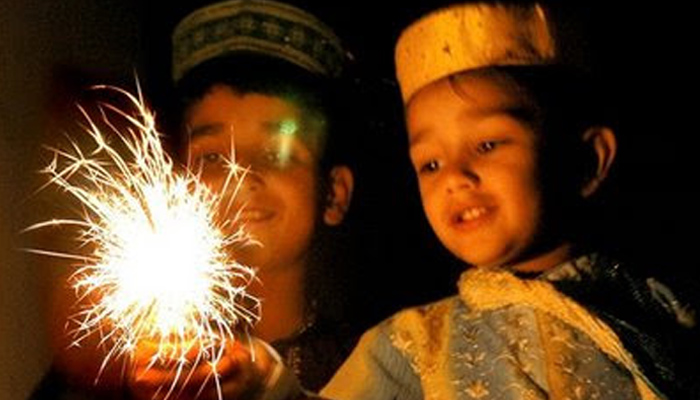 This is how the festival of Diwali Unities hearts and souls