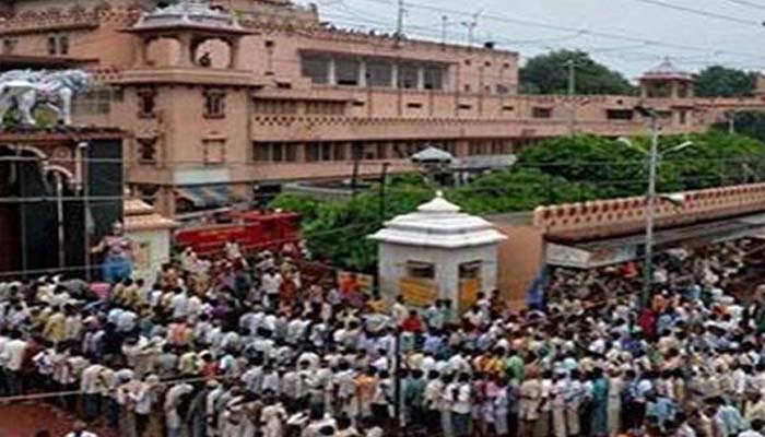 Mathura temple reopens after two days of uproar
