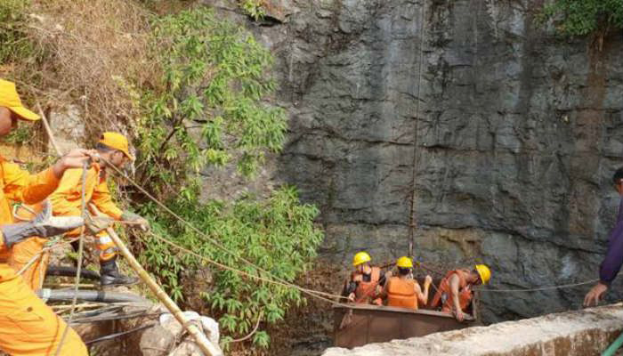Meghalaya: Additional NDRF team, CIL, IAF teams rushed to rescue miners